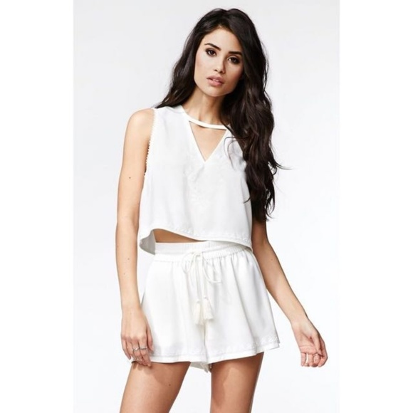 Kendall & Kylie Pants - Kendall & Kylie Embroidered Shorts